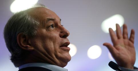 Placeholder - loading - Imagem da notícia Ciro diz que usará 'mediação poderosa' do governo para descontar juros e multas da dívida de brasileiros