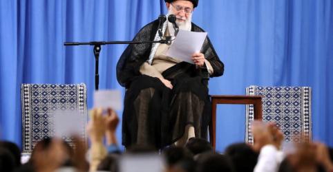 Placeholder - loading - Imagem da notícia Líder supremo do Irã diz que administração ruim prejudica mais a economia do que sanções dos EUA