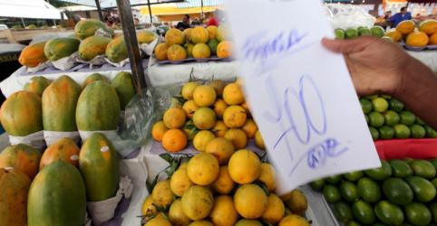 Mercado vê inflação maior em 2018, mas não muda visão sobre Selic estável