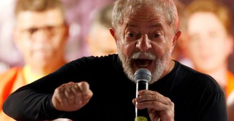 Placeholder - loading - Imagem da notícia Em artigo no NYT, Lula diz ser vítima de 'golpe de direita' para impedi-lo de vencer eleição