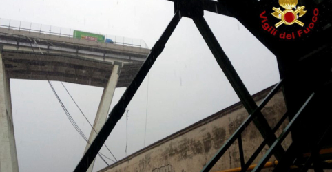 Ponte desmorona em Gênova e autoridades temem dezenas de mortos
