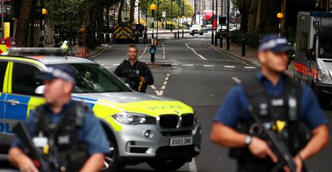 Trump pede 'dureza e força' após suspeita de terrorismo no Parlamento britânico
