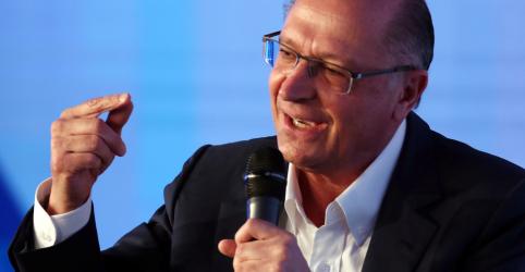 "Alckmin reclama das ""caneladas"" do presidencialismo mas aposta no voto para promover reformas"