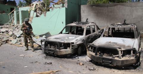 Placeholder - loading - Imagem da notícia Ataque do Taliban contra posto militar afegão mata dezenas de membros das forças de segurança