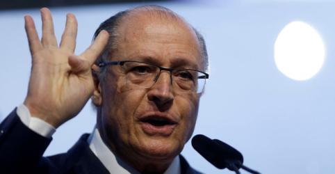 Antes de prestar depoimento, Alckmin manifesta apreço ao MP e diz que campanhas foram corretas
