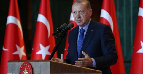 Placeholder - loading - Imagem da notícia Erdogan diz que crise cambial na Turquia se assemelha a ataques religiosos
