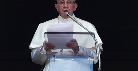 Placeholder - loading - Papa promete acabar com acobertamento em carta aos católicos sobre abuso sexual