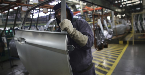 Prévia da confiança da indústria cai em agosto e vai ao menor patamar desde final de 2017, diz FGV