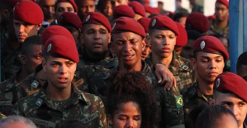 Placeholder - loading - Imagem da notícia Morre soldado do Exército ferido em operação em favelas do Rio