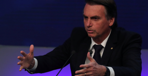Placeholder - loading - Bolsonaro não descarta ida a debates, vice diz que adversários baixam nível da discussão