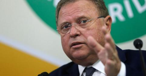 Placeholder - loading - Imagem da notícia Ministro se corrige e diz que proibição ao uso de glifosato continua em vigor
