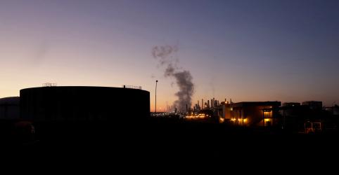 Questões técnicas e de segurança adiam retomada da maior refinaria da Petrobras