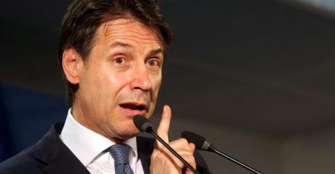 Itália enfrenta UE por conta de imigrantes deixados em barco de resgate