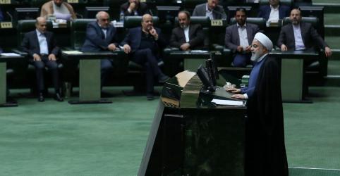 Placeholder - loading - Imagem da notícia Parlamento do Irã culpa Rouhani por problemas econômicos