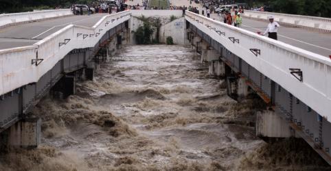 Rompimento de represa de Mianmar inunda comunidades e bloqueia rodovia