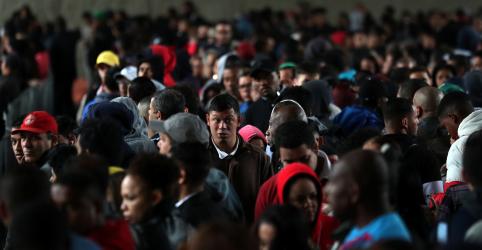 Desemprego no Brasil recua a 12,3% no tri até julho, mas com número recorde de desalentados, diz IBGE