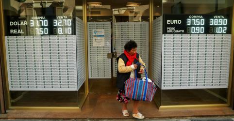 Argentina anuncia mais austeridade fiscal e peso despenca