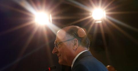 Em primeiro vídeo da campanha, Alckmin visa Bolsonaro e diz que problemas não se resolvem 'na bala'
