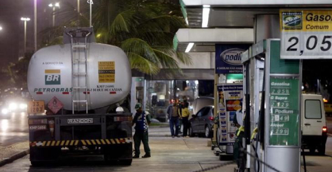 Placeholder - loading - Imagem da notícia Preço do diesel deve subir com novo esquema para subsídio; importador aponta problemas