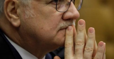 Placeholder - loading - Imagem da notícia Fachin diverge de Barroso, vota para manter candidatura de Lula e empata julgamento no TSE