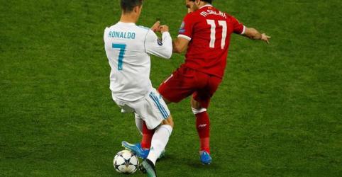 Placeholder - loading - Imagem da notícia Ronaldo, Modric e Salah são finalistas de prêmio de Jogador do Ano da Fifa