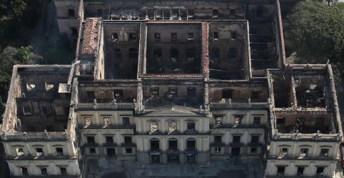 Placeholder - loading - Imagem da notícia Governo libera R$10 mi e prevê 'custo vultoso' para recuperação do Museu Nacional