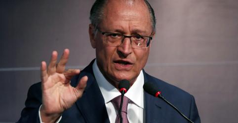 Placeholder - loading - Imagem da notícia Brasil entrará em colapso com mais 2 ou 3 anos de déficit, diz Alckmin