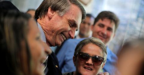 Placeholder - loading - Imagem da notícia Bolsonaro fala em privatizar 100 estatais mas poupa BB, Caixa e 'miolo' da Petrobras