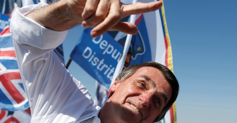 Placeholder - loading - Imagem da notícia Bolsonaro lidera com 22%, seguido por Marina e Ciro com 12%, diz Ibope