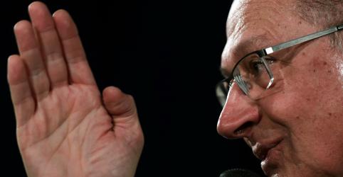 Placeholder - loading - Imagem da notícia Alckmin diz que Bolsonaro é passaporte para volta do PT e volta a mirar críticas em Temer