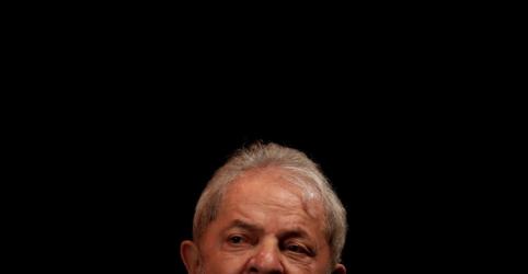 Placeholder - loading - Imagem da notícia Em 2º revés do dia para Lula no STF, Celso de Mello rejeita pedido para manter candidatura