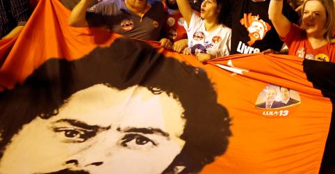 Placeholder - loading - Imagem da notícia Lula finalmente autoriza troca e Haddad será anunciado candidato à Presidência na terça em Curitiba, dizem fontes