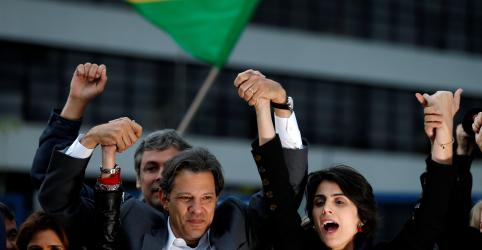 Placeholder - loading - Imagem da notícia Lula deixa candidatura com carta ao povo brasileiro e pedido de votos a Haddad