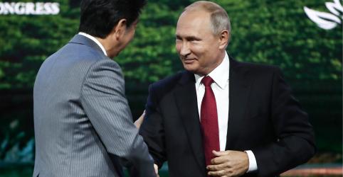 Putin convida premiê do Japão a assinar acordo de paz ainda em 2018