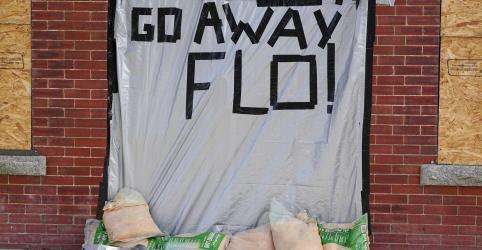 Placeholder - loading - Imagem da notícia Gigantesco furacão Florence ruma para a Costa Leste dos EUA