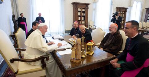 Placeholder - loading - Imagem da notícia Papa se reúne com líderes católicos dos EUA para debater abusos e ordena investigação de bispo