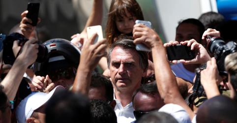 Após cirurgias, Bolsonaro deve ficar fora de 'agendas de rua' no primeiro turno