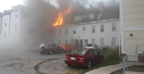 Placeholder - loading - Explosões de gás em Boston deixam ao menos 1 mortos e forçam milhares a sair de casa
