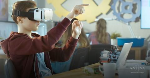 Placeholder - loading - Imagem da notícia Robôs podem ajudar na área da Educação