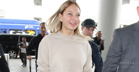 Placeholder - loading - Imagem da notícia Sia libera primeira canção natalina