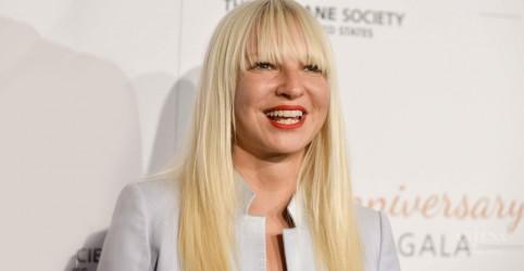 Sia anuncia álbum natalino