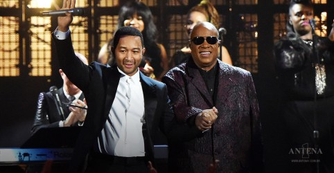 Placeholder - loading - John Legend e Stevie Wonder se apresentam em evento