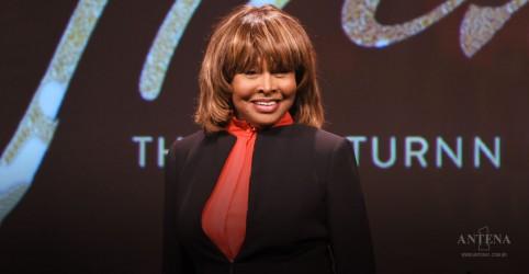 Placeholder - loading - Imagem da notícia Tina Turner recebeu rim doado de seu marido