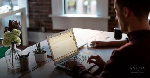 Placeholder - loading - Imagem da notícia Trabalhar menos pode ajudar você a viver mais