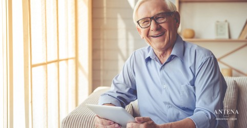Navegar na internet pode melhorar a memória de idosos