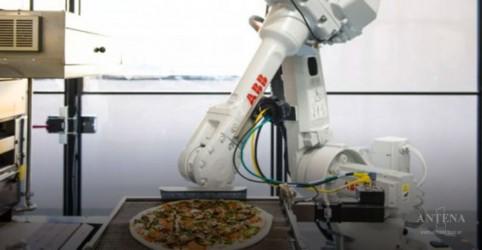 Placeholder - loading - Imagem da notícia Robôs ajudam a fazer pizzas