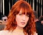 "Saiba mais sobre a participação de Florence + The Machine no ""Saturday Night Live"" Background"