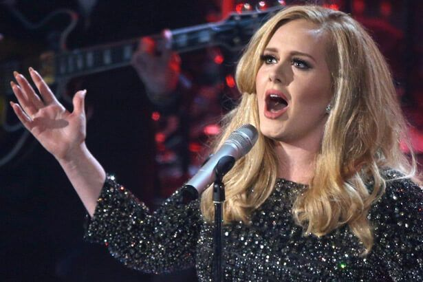 Adele tem disco mais vendido do semestre nos EUA Background