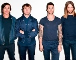"""This Summer's Gonna Hurt"" é o nome do novo single do Maroon 5 Background"
