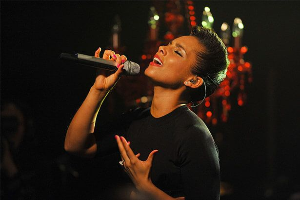 Placeholder - loading - Alicia Keys faz show na final da Liga dos Campeões Background